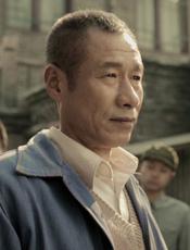 郭家老爸(刘佩琦 饰) 耿直刚强暴脾气又温情的父亲