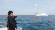 韩媒:朝鲜今晨从潜艇试射一枚弹道导弹
