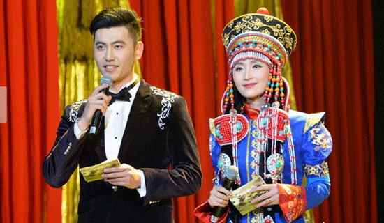 庆祝内蒙古成立七十周年音乐会《草原赞歌》上演