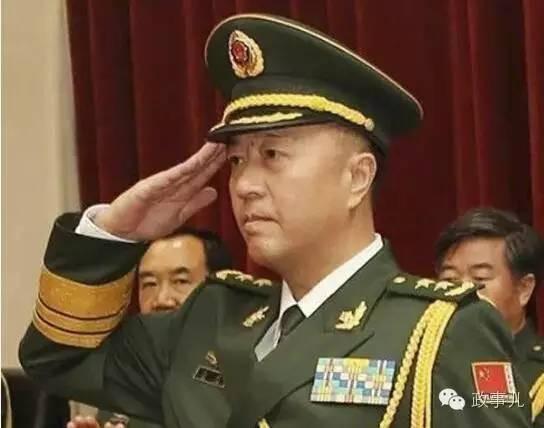 """""""双中将""""秦家兄弟:父亲是开国将军_军改后履新"""