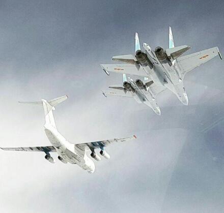 疑中国空军苏35战机最新照曝光