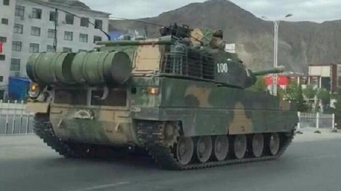 中国新型坦克现身西藏针对印度?国防部回应