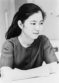 """被称为""""编辑狂人""""的筑摩书房编辑部长松田哲夫曾经这么形容杉浦日向子"""