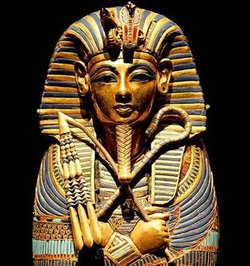 一个关于埃及法老和他两个仆人的动画片,有个小金字塔能去任何地方 图片