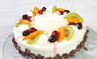 10寸冰淇淋奶油水果蛋糕1个,免费车位