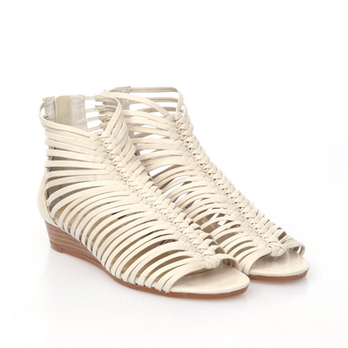女士夏款白色单跟鞋