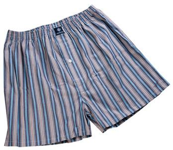 男式短裤裁剪图