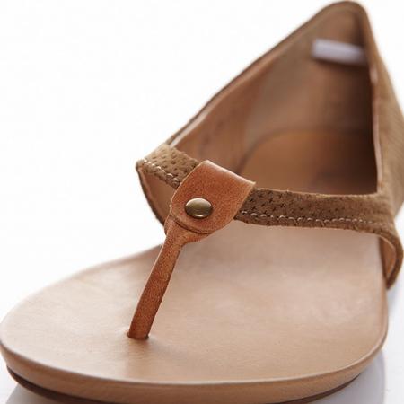 女夹脚平底凉鞋