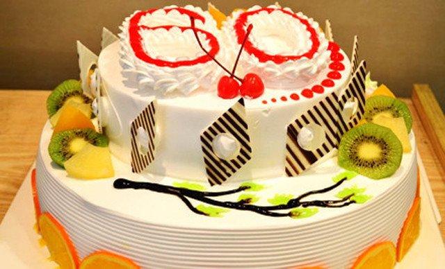 12英寸双层欧式水果蛋糕1个