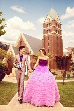 价值13918元的古风尚摄影婚纱照所有衣服图片