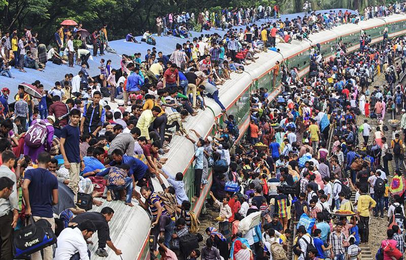 孟加拉国日常通勤繁忙 火车不堪重负 - 后老兵 - 雲南铁道兵战友HOU老兵博客;