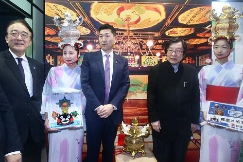 日本总务副大臣访台 系