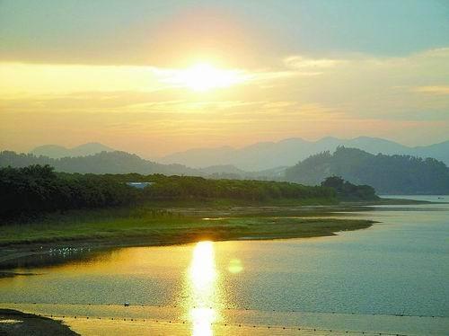 南山区  标签: 旅游景点 风景区  西丽湖共多少人浏览:2326703  电话