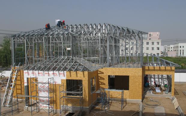 河北神龙轻钢结构建筑用的是澳洲轻钢结构技术体系