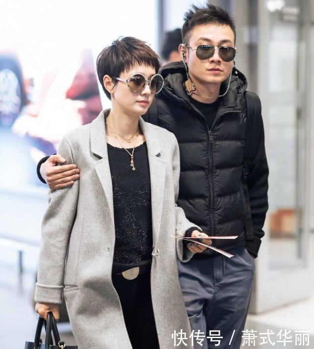 马伊琍机场清爽穿搭,离婚后,真正的夏琳又回来了