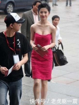 当刘亦菲站在唐嫣身边,简直是我见过最惨烈的同框现场