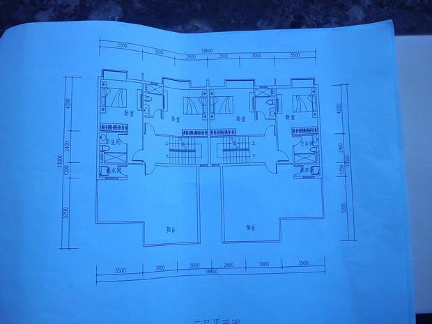农村自建房平面图,请高手帮忙看看布局是否合理,做成中空复式是否有必要 跟亲戚合建的,右边那套是我的