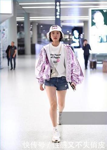 唐艺昕短裤现身,身材大变,网友:腿上膏药是用来瘦腿的吗