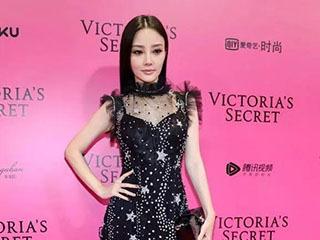 李小璐、刘雯、张靓颖一个比一个透视,摄影师都不好意思了!