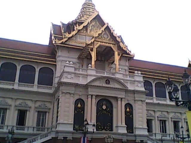 大皇宫里的节基宫基本结构属于英国维多利亚时代的