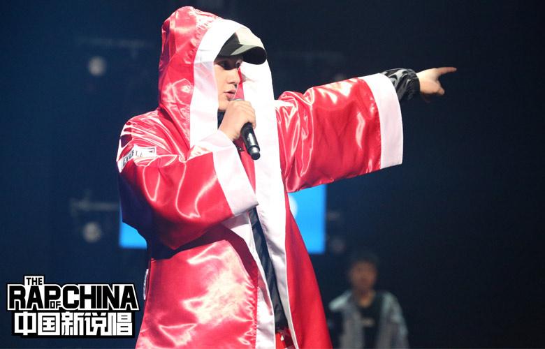 """《中国新说唱》艾热备5首金曲欲霸场  rapper为进总决赛""""疯狂厮杀"""""""