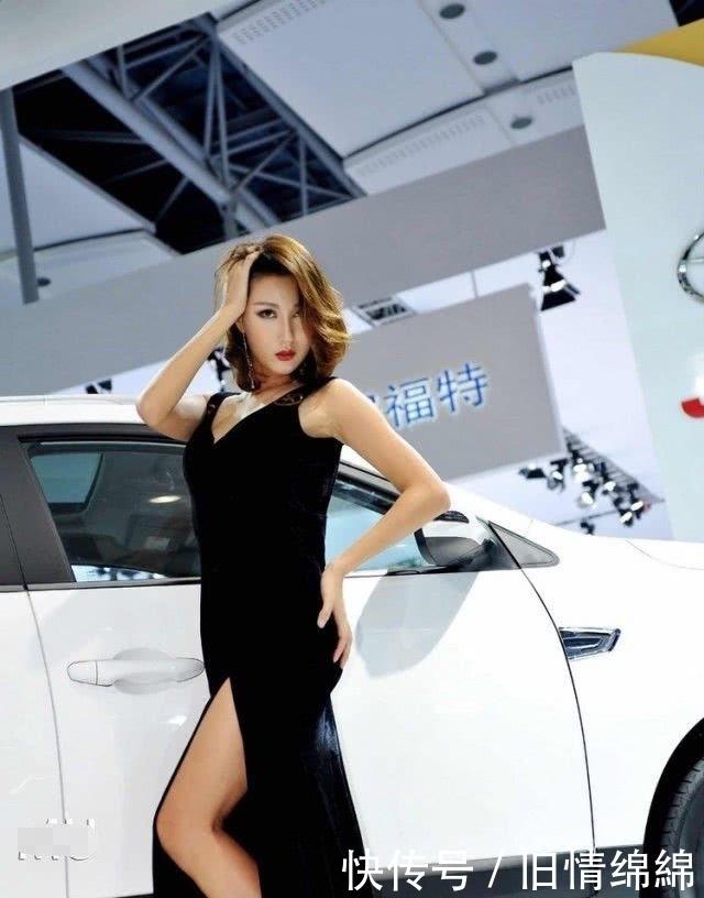 江淮实力很强啊,请来韩国少妇车模,露背装贼性感