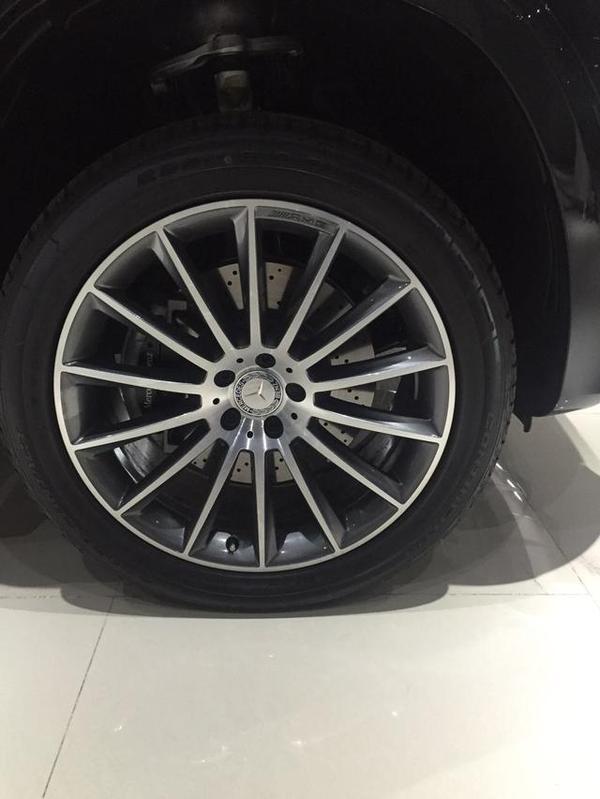 17款加版奔驰gls450天津港现车配置分析