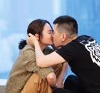 陈建斌蒋勤勤接吻好甜:陈老师,会演戏,会当导演,会写诗还会疼老婆