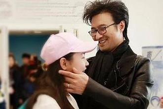 汪峰录节目谈和章子怡的恩爱日常大女儿出镜