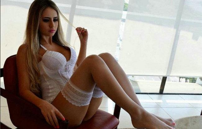 巴西最性感女球迷爆乳撑衣 蜂腰翘臀惹火勾人 - 后老兵 - 雲南铁道兵战友HOU老兵博客;