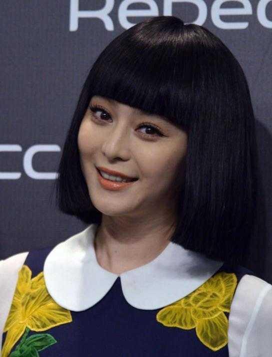 齐刘海的李小璐比甜馨还小可爱呢?