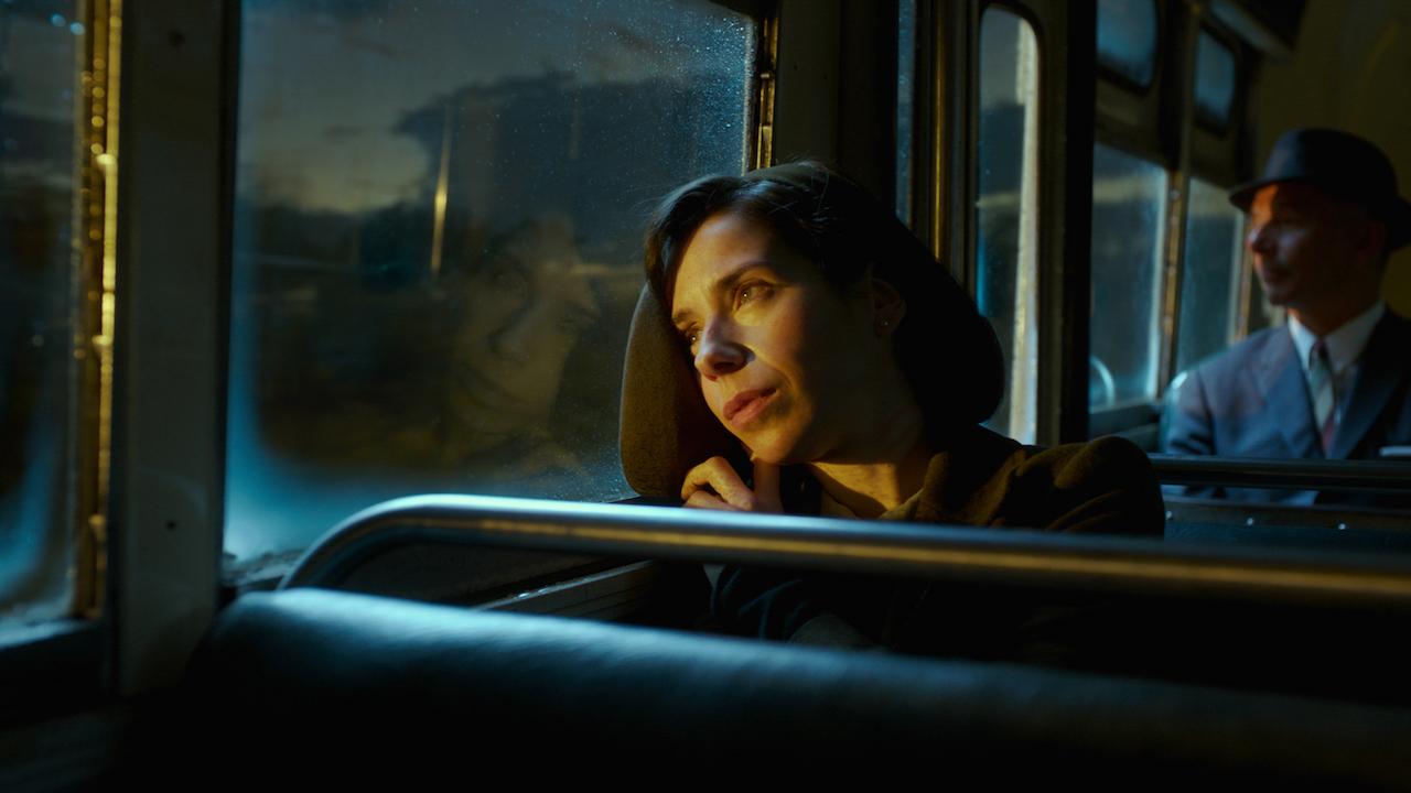 """情侣必看爱情佳片《水形物语》新片段展示""""当爱情来敲门"""""""
