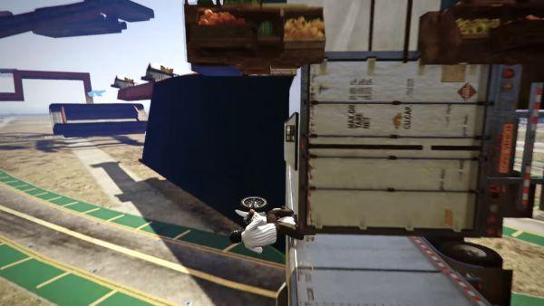 玩家破纪录完成《GTA5》史上最疯狂飞车特技