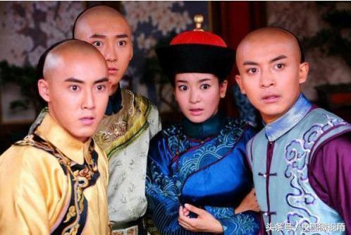 《还珠格格》中的小燕子,一共有三个人饰演过,分别是赵薇,黄奕,李晟