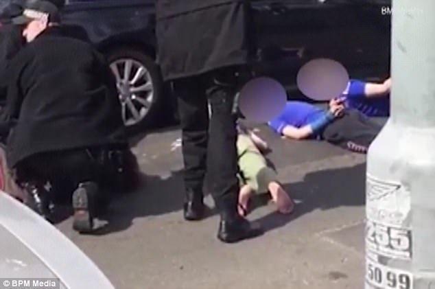 【转】北京时间      枪指反铐12岁小孩 英国警察闹乌龙 - 妙康居士 - 妙康居士~晴樵雪读的博客