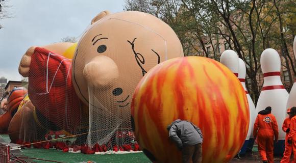 纽约梅西百货感恩节大游行即将上演