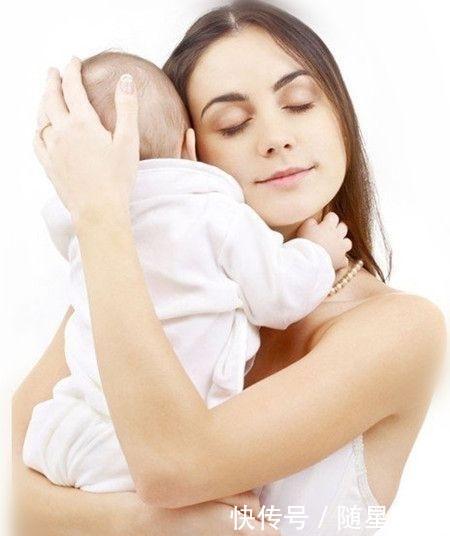 多大的婴儿可以竖抱?2个月宝宝喜欢竖抱有原因,宝宝其实很聪明