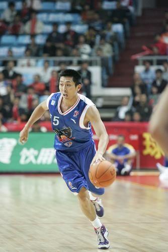 胡雪峰-中国篮球运动员