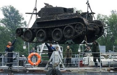 小制作用废品做坦克