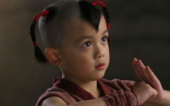 国民弟弟吴磊已经从可爱的邻家男孩成长为英俊的半熟男神,虽然只有17