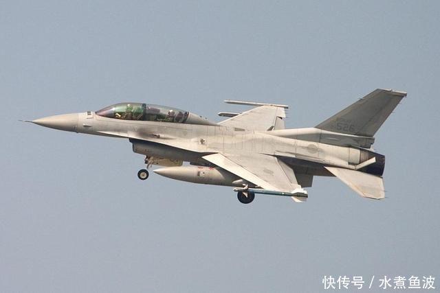 一架俄军战机闯入韩国领空,韩军F15K果断开火,克宫此举闯大祸