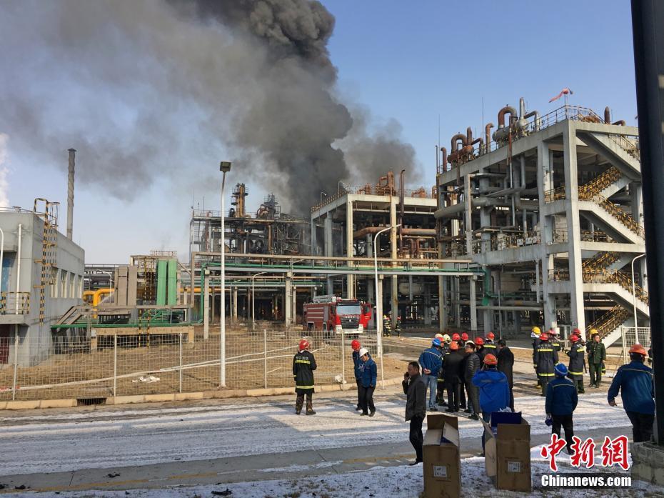 青海一化工厂起火 去年该企业发生事故致7死