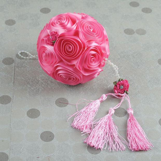 怎样用丝带做花球?