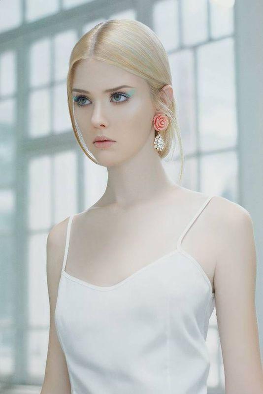 我不知道这个美女叫,但我敢v美女你搜乌克兰美女或者俄罗斯油画欧洲美女模特人体图片