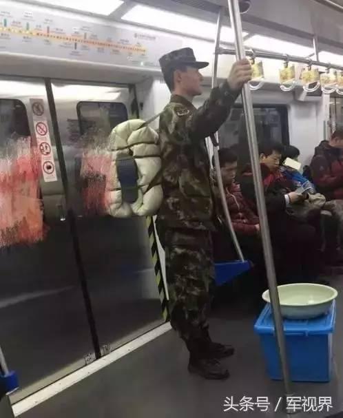 【转】北京时间       排队等地铁的网红兵哥 他们在这里! - 妙康居士 - 妙康居士~晴樵雪读的博客