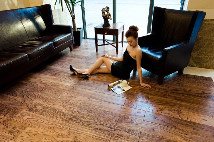 墨雅澜实木复合地板最大的优势在于环保