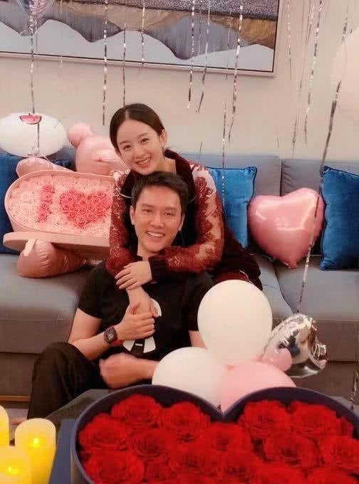 曝赵丽颖和冯绍峰出国已录制完新综艺,但因片酬太高接不到剧本