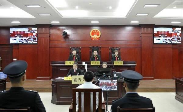 严春风受贿案细节公开家属代为退缴违法款400万元