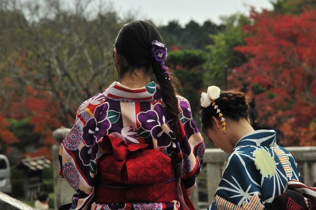 在日语中,该如何尊称他人,这3个单词要知道