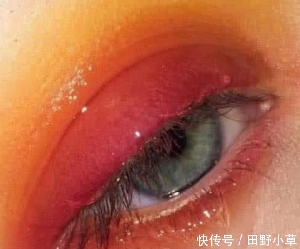 心理测试:选一只最可怕的眼睛,测测你骨子里到底是男是女?